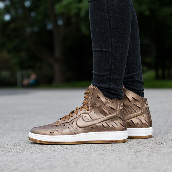 check out 083a5 4d6eb nike air force 1 mid joli