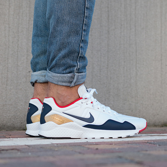nike pegasus with jeans