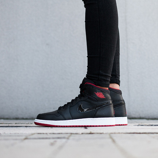 nike air jordan 1 retro high bg