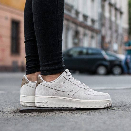 nike air force 1 07 womens shoe suede cleaner