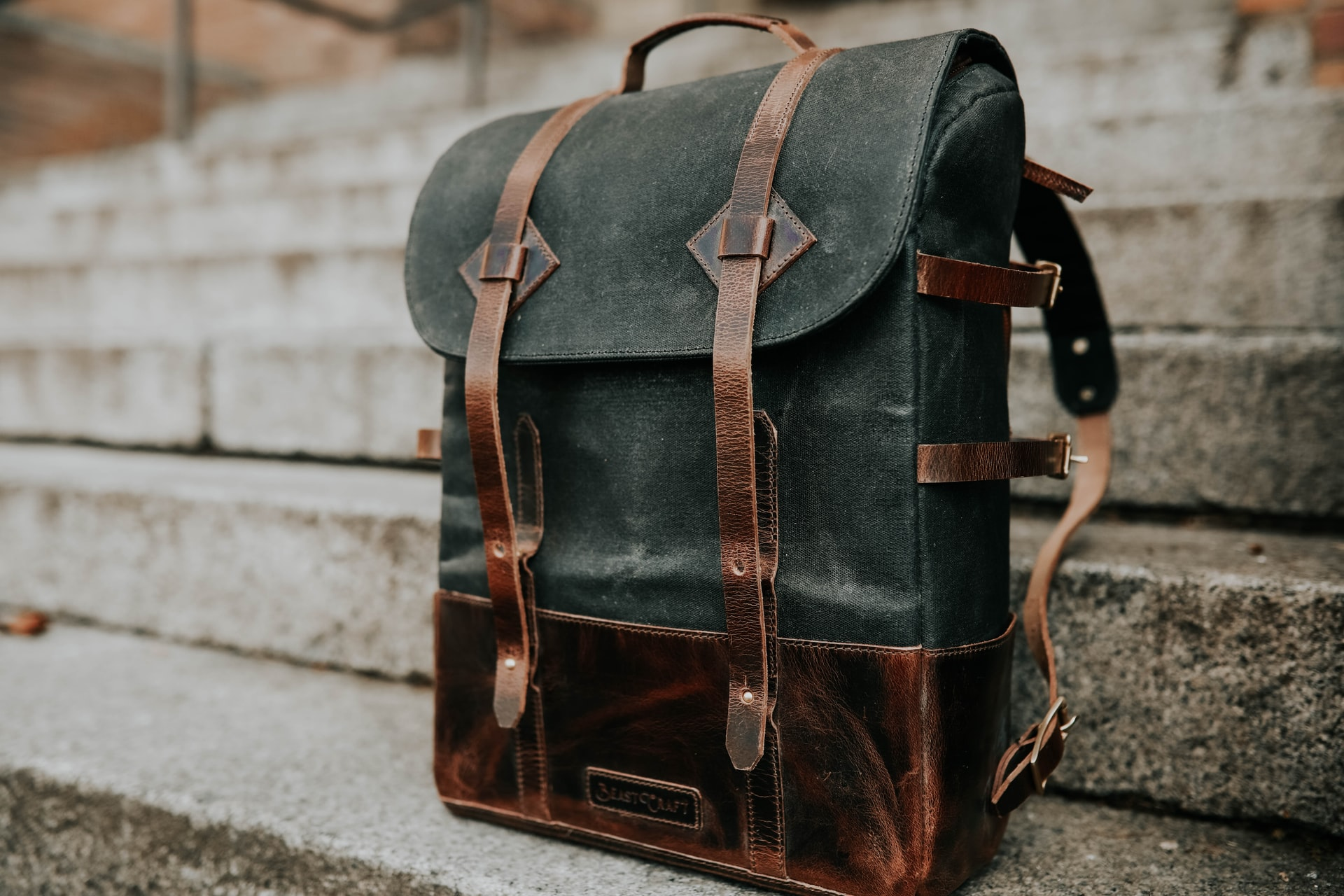 Trendy bags and backpacks for 2020. Which models to choose?