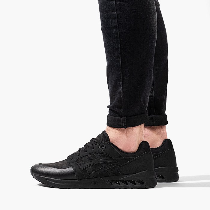 asics black gel saga