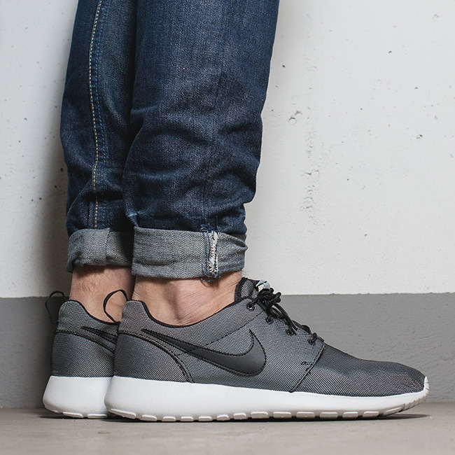 nike roshe one premium plus mens shoe