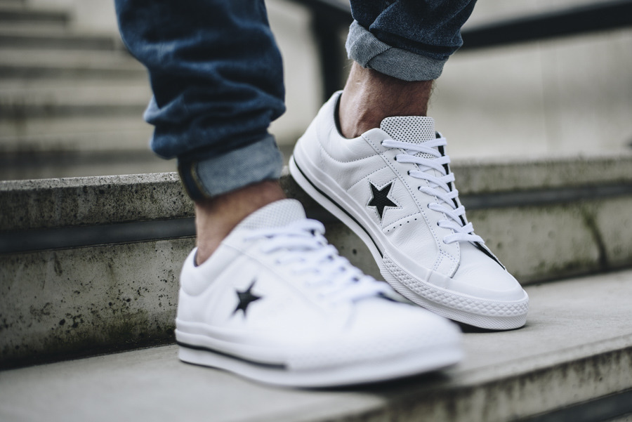 https://sneakerstudio.com/eng_pl_Mens-Shoes-sneakers-Converse-One-Star-Perforated-Leather-158464C-13663_2.jpg