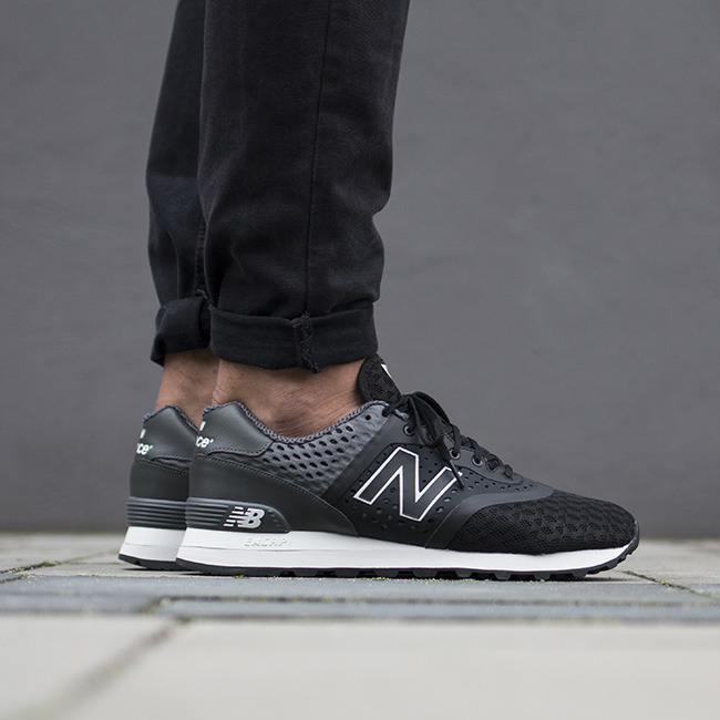 new balance 574 trainers in black mtl574cg
