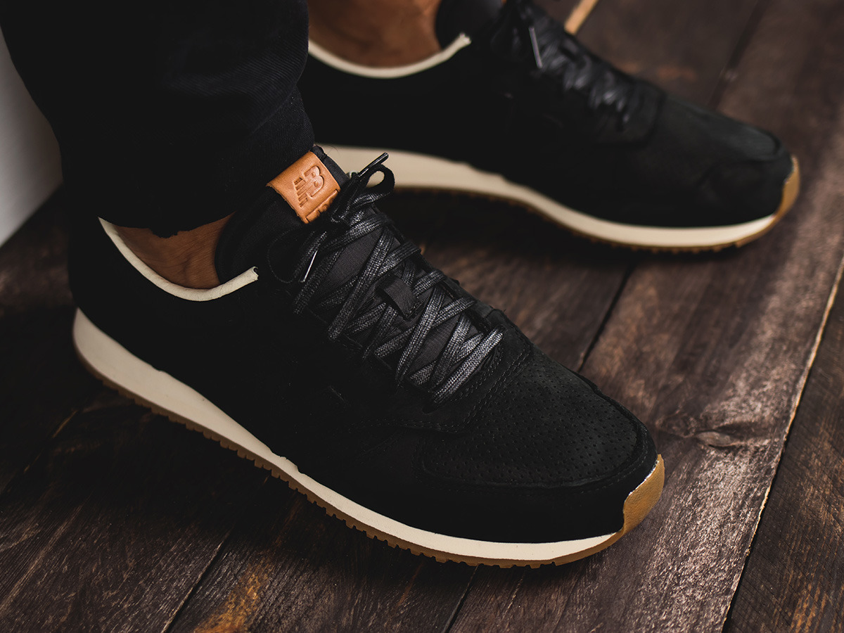 new balance 70s running 420 trainers in black