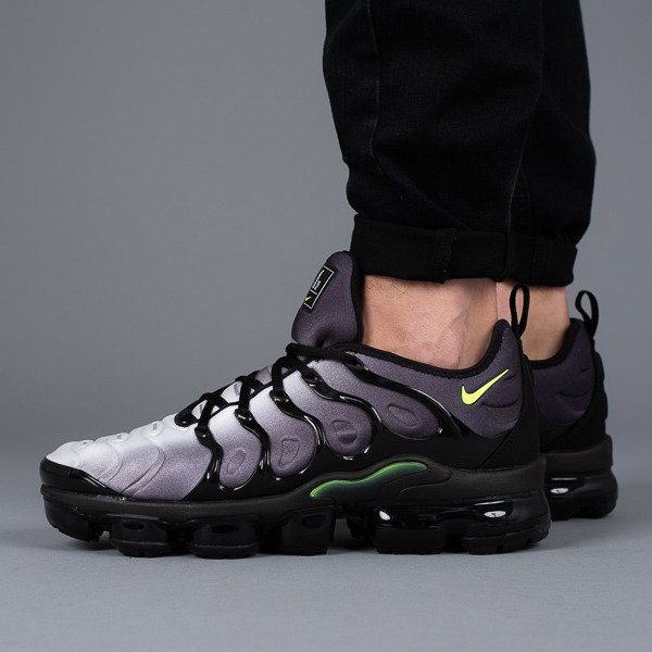 32ee078176f Men s Shoes sneakers Nike Air Vapormax Plus 924453 009 - Best shoes  SneakerStudio
