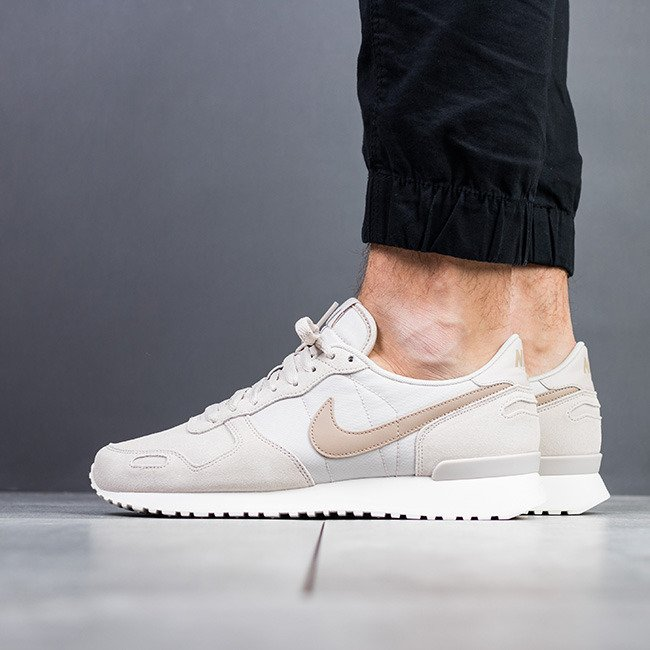 https://sneakerstudio.com/eng_pl_Mens-Shoes-sneakers-Nike-Air-Vortex-Leather-918206-003-14379_1.jpg