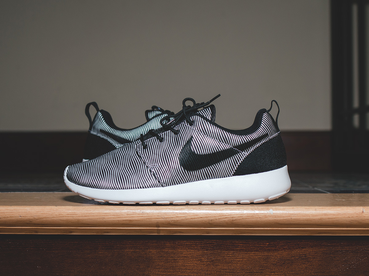 Men's Shoes sneakers Nike Roshe One Premium Plus 807611 ...