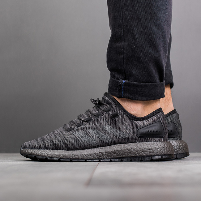 adidas pure boost triple black