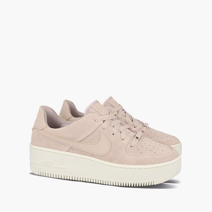 Nike WMNS Air Force 1 Sage Low Trainers AR5339 201 | Beige