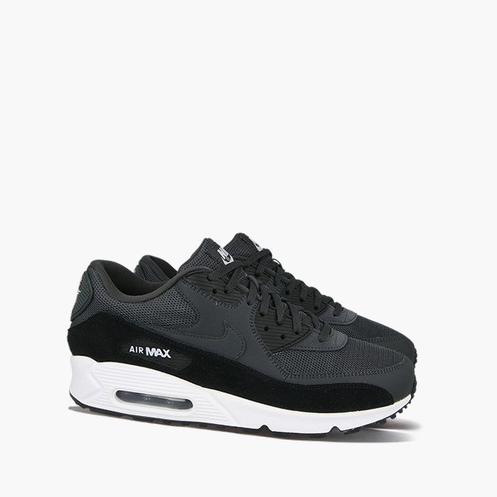 nike air max 90 classic black and white