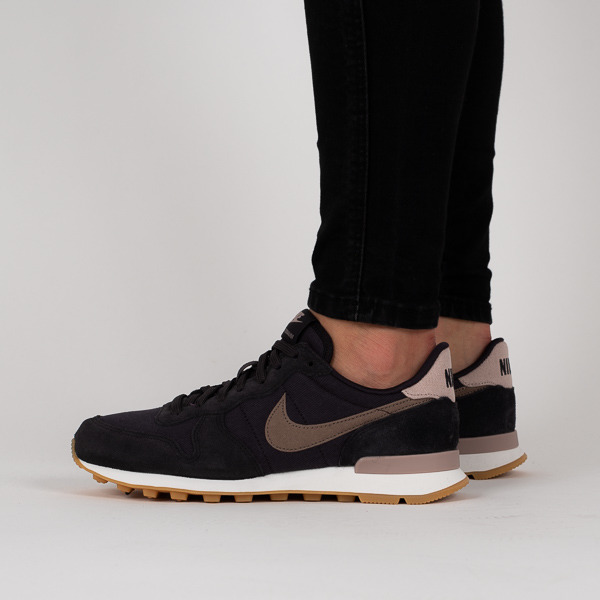 internationalist nike