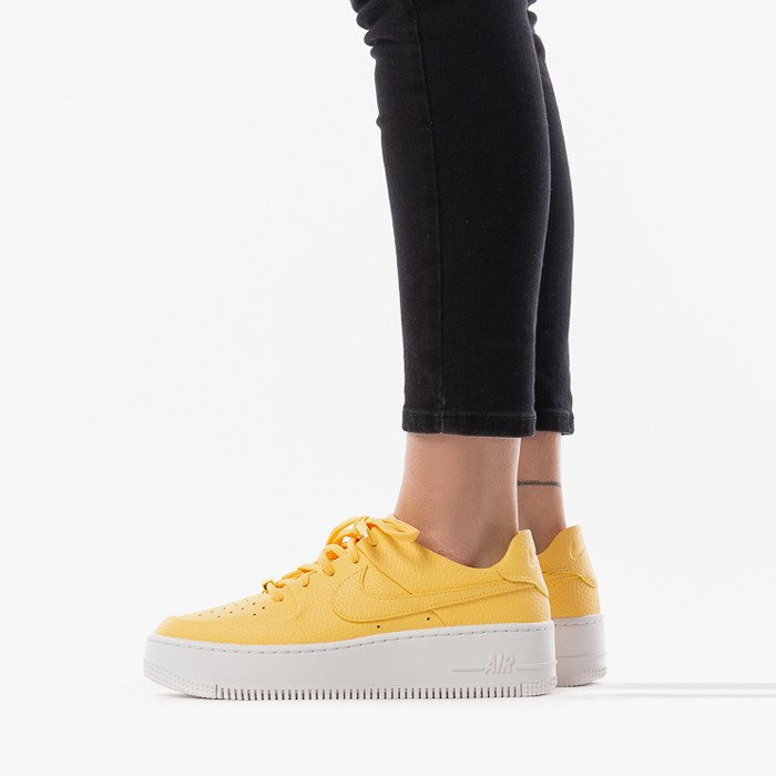 Shoes Women Nike W AF1 Sage Low AR5339 700 (Yellow