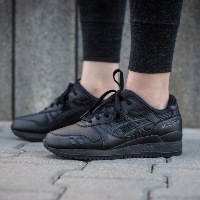 all black asics gel lyte