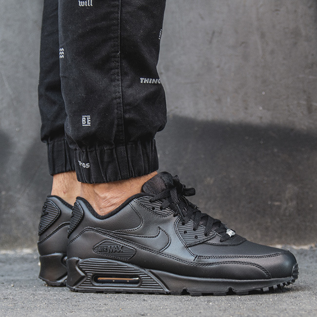 eng_pl_SNEAKER-SHOES-NIKE-AIR-MAX-90-LEATHER-302519-001-8869_1.jpg