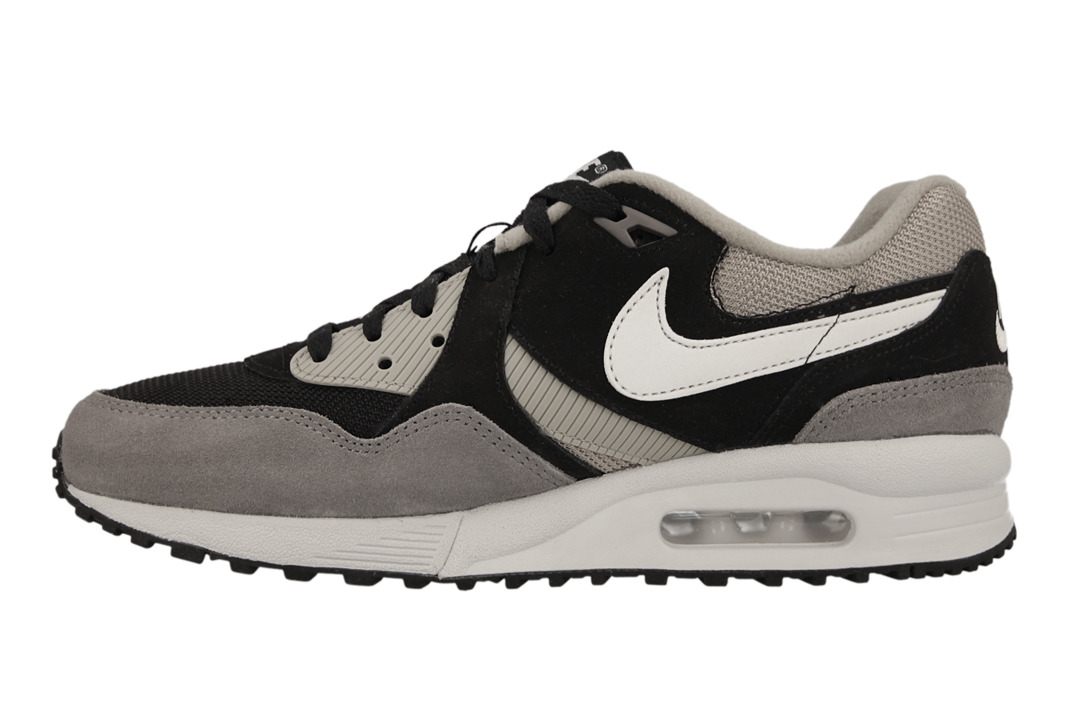 sneaker shoes nike air max light essential 631722 001 best shoes sneakerstudio. Black Bedroom Furniture Sets. Home Design Ideas