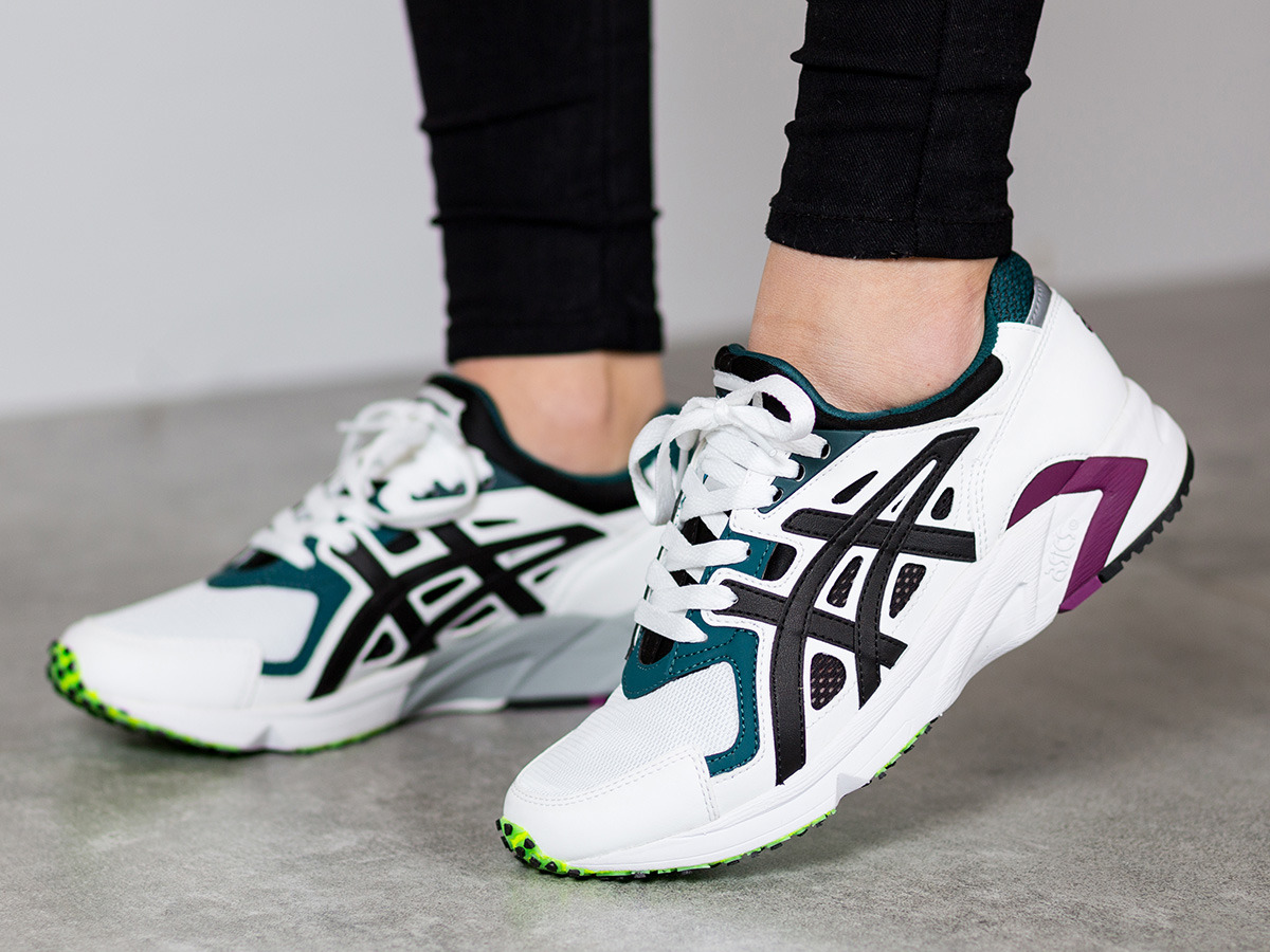 ... Women's Shoes sneakers Asics Gel-DS Trainer OG H704Y ...