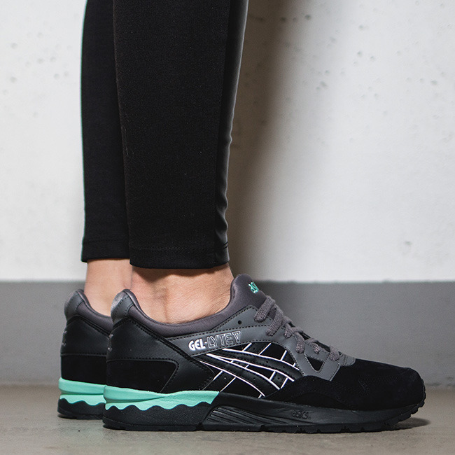 asics casual shoes womens