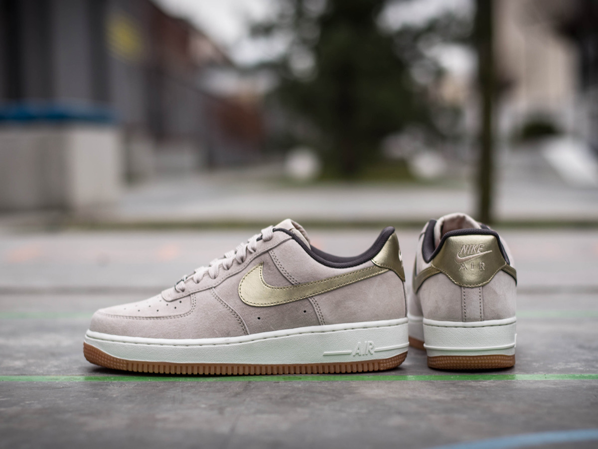women 39 s shoes sneakers nike air force 1 39 07 premium suede 818595 200 best shoes sneakerstudio. Black Bedroom Furniture Sets. Home Design Ideas