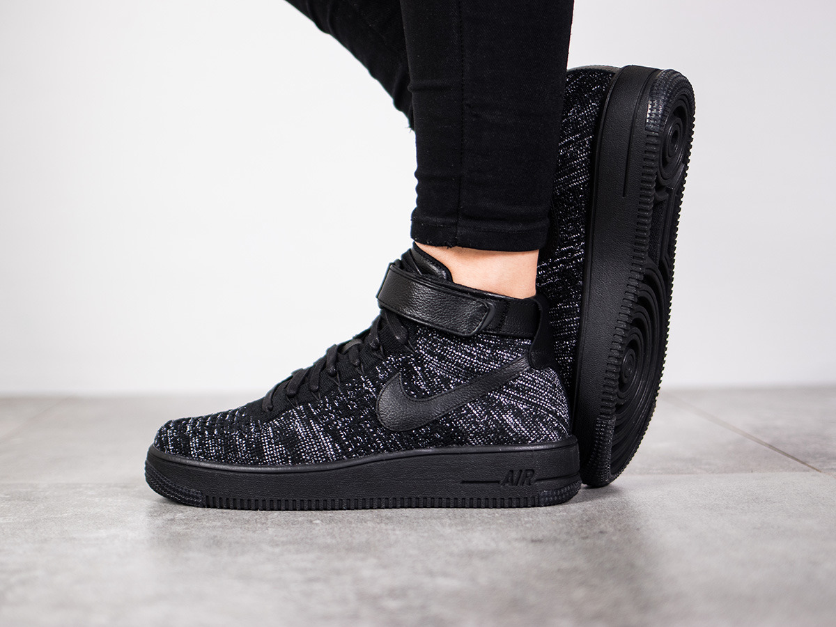 women 39 s shoes sneakers nike air force 1 flyknit 818018 002. Black Bedroom Furniture Sets. Home Design Ideas