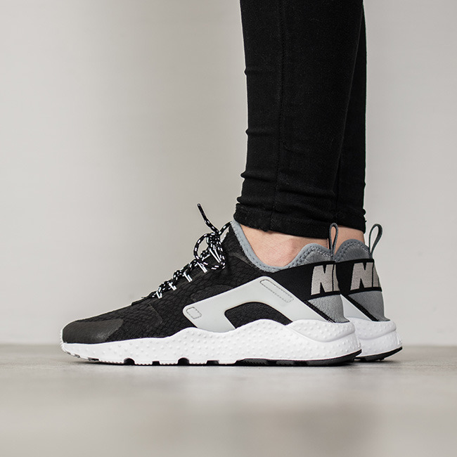 women 39 s shoes sneakers nike air huarache run ultra se 859516 002 best shoes sneakerstudio. Black Bedroom Furniture Sets. Home Design Ideas
