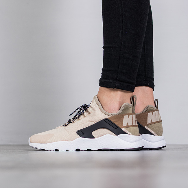 83243c74618e inexpensive air huarache run ultra se sneaker nike ccbfc f02fd