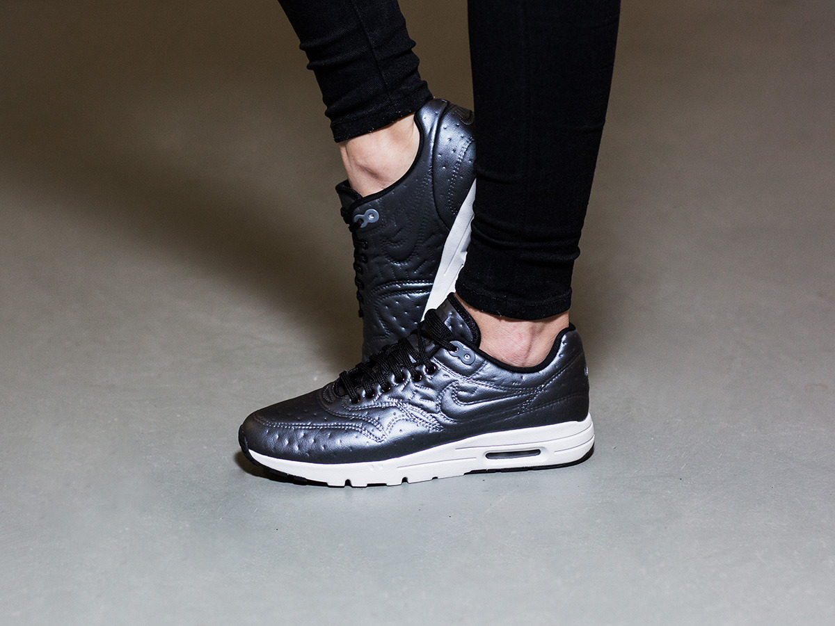 women 39 s shoes sneakers nike air max 1 ultra premium. Black Bedroom Furniture Sets. Home Design Ideas