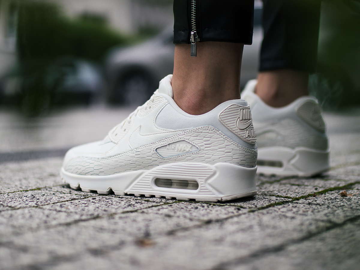 Women's Shoes sneakers Nike Air Max 90 Premium Leather