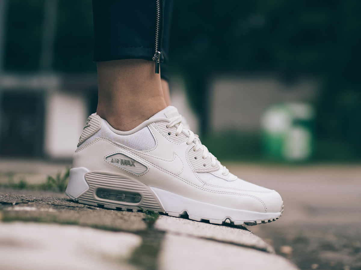women 39 s shoes sneakers nike air max 90 se mesh gs 880305 100 best shoes sneakerstudio. Black Bedroom Furniture Sets. Home Design Ideas