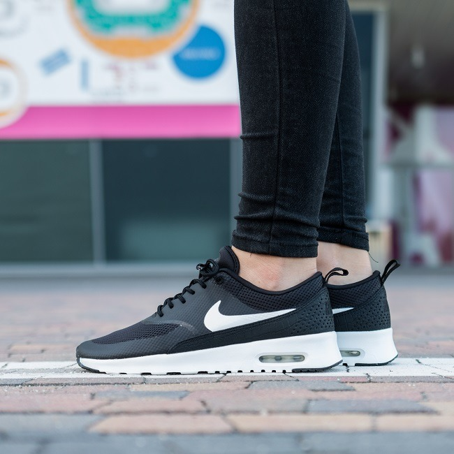 Women's Nike Air Max Thea 'NYC'. Nike SNKRS