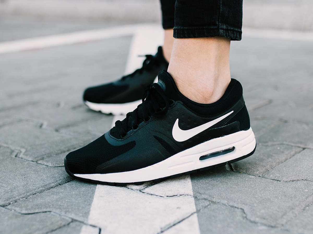 Women S Shoes Sneakers Nike Air Max Zero Essential Gs