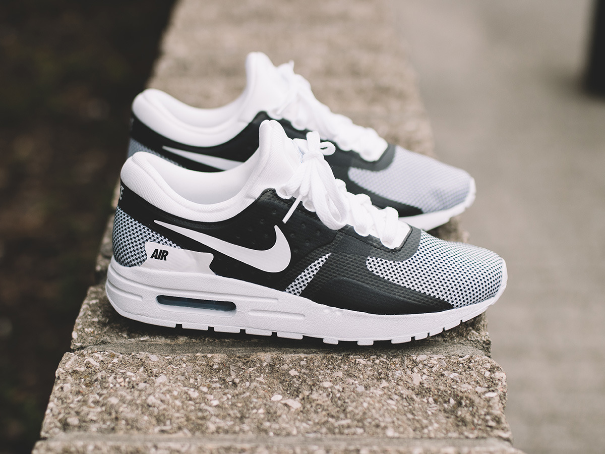 women 39 s shoes sneakers nike air max zero essential gs 881224 101 best shoes sneakerstudio. Black Bedroom Furniture Sets. Home Design Ideas