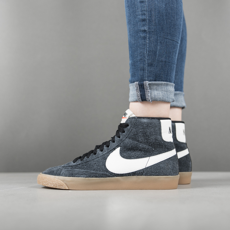 women 39 s shoes sneakers nike blazer md suede vintage 518171 017 best shoes sneakerstudio. Black Bedroom Furniture Sets. Home Design Ideas