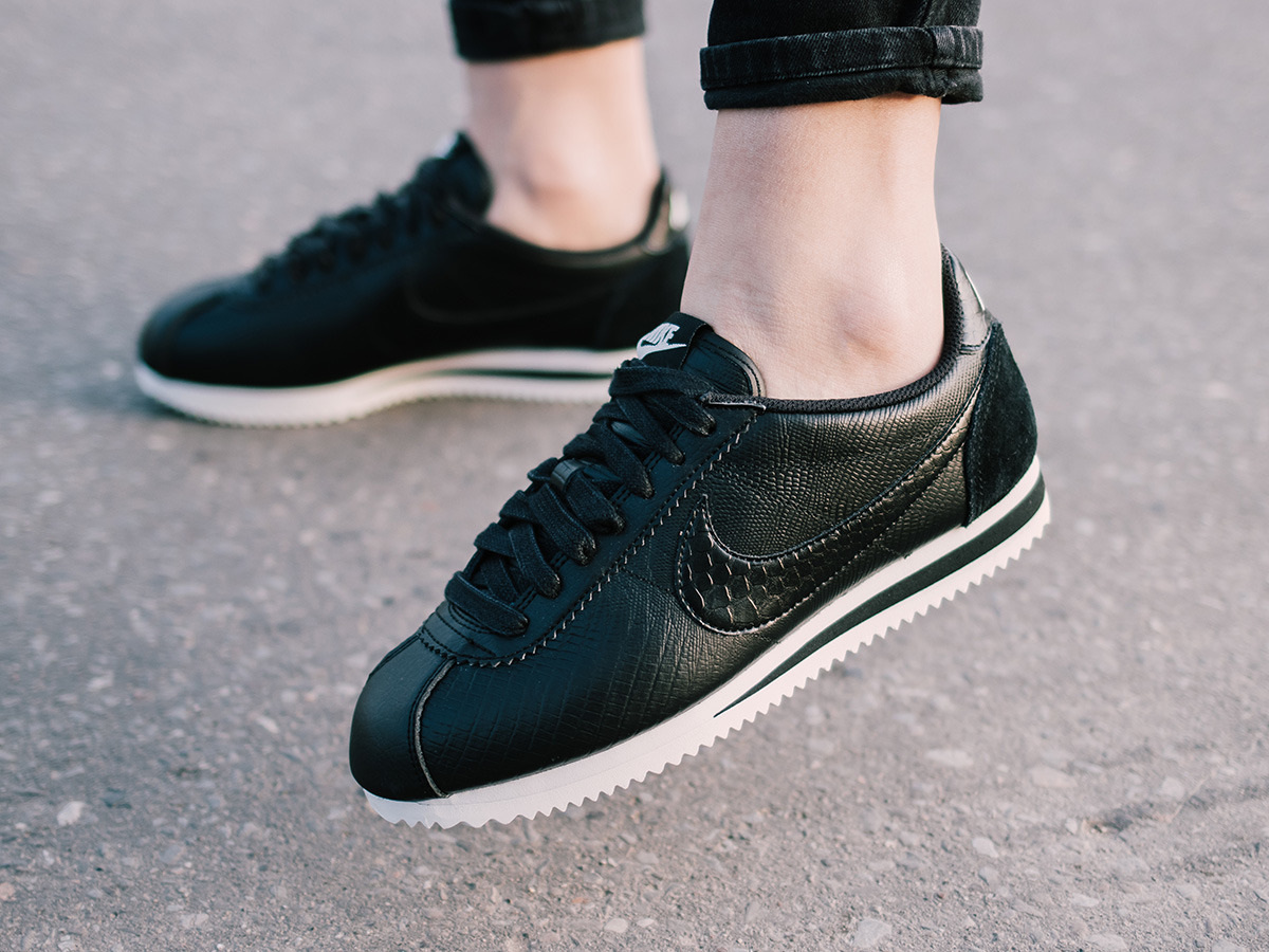 brand new bdba8 a2b37 Nike Classic Cortez Leather Womens gatwick-airport-parking-deals.co.uk