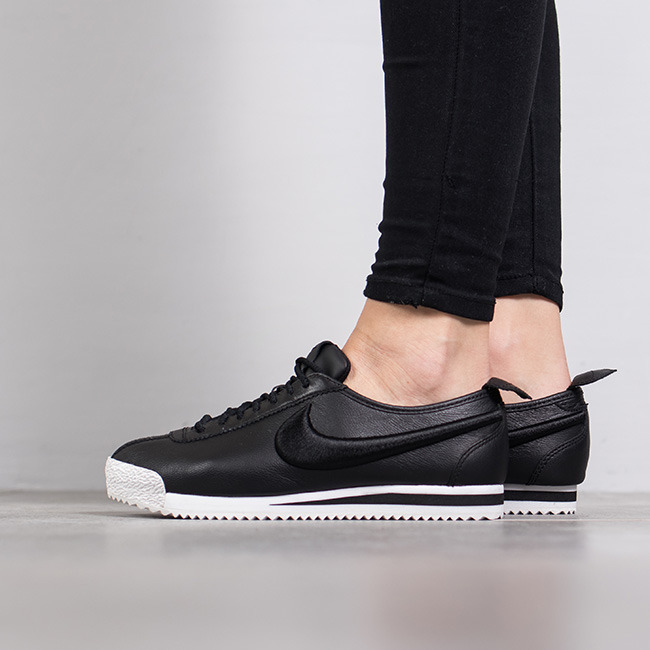 women 39 s shoes sneakers nike cortez 72 si 881205 001 best. Black Bedroom Furniture Sets. Home Design Ideas