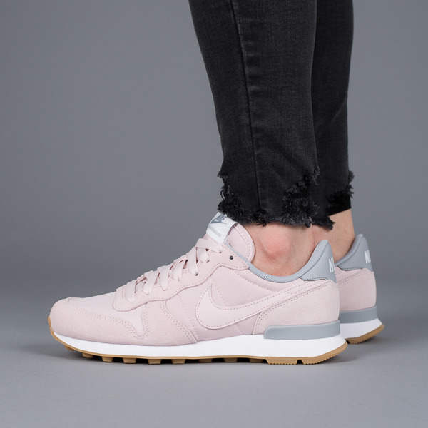 buy online f5eac a190c Womens Shoes sneakers Nike Internationalist 828407 612 · Womens Shoes  sneakers Nike Internationalist 828407 612 ...