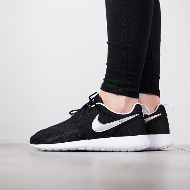 78ca3beefb6 ... se has received an update to welcome the new year as its now treated in  a versatile colorway ab244 f7c16  uk womens shoes sneakers nike roshe one  gs ...