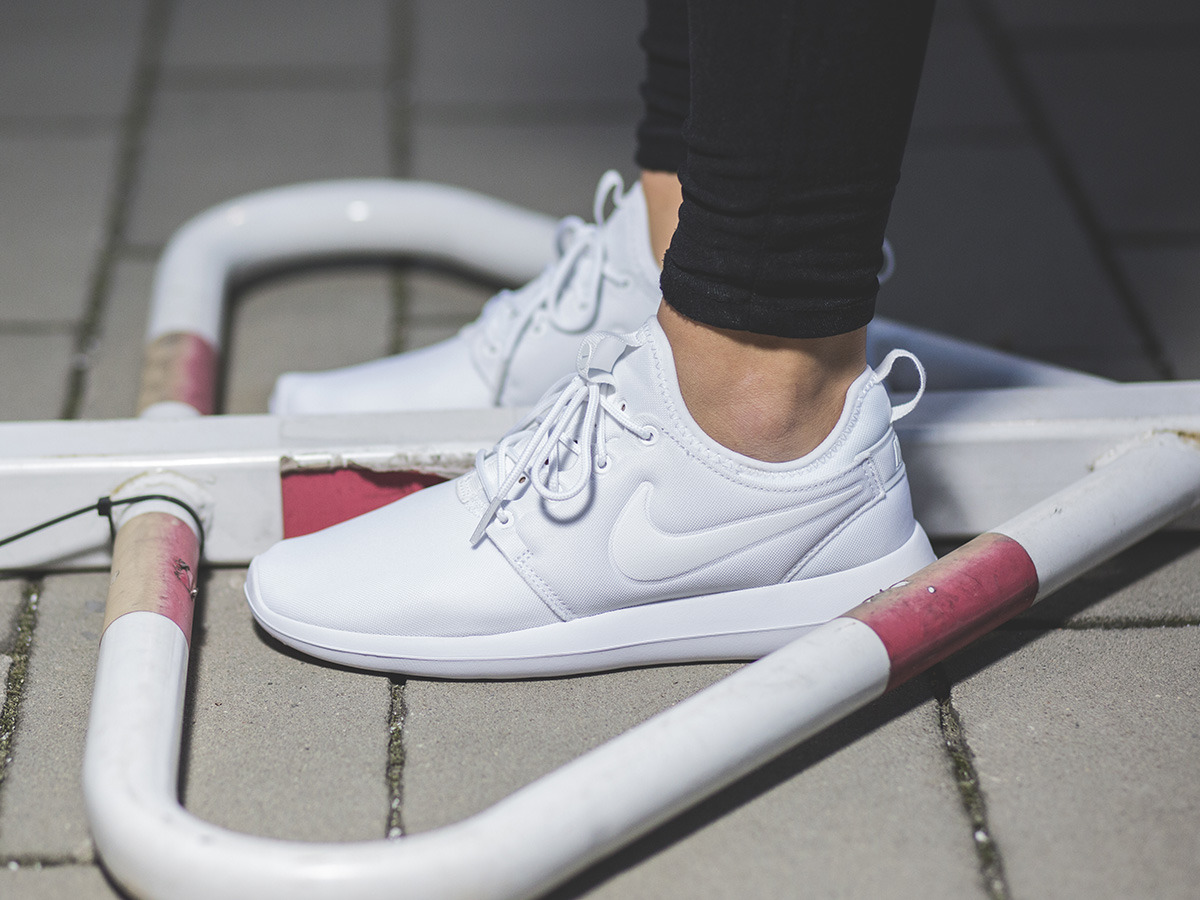 ... Women's Shoes sneakers Nike Roshe Two 844931 100 ...