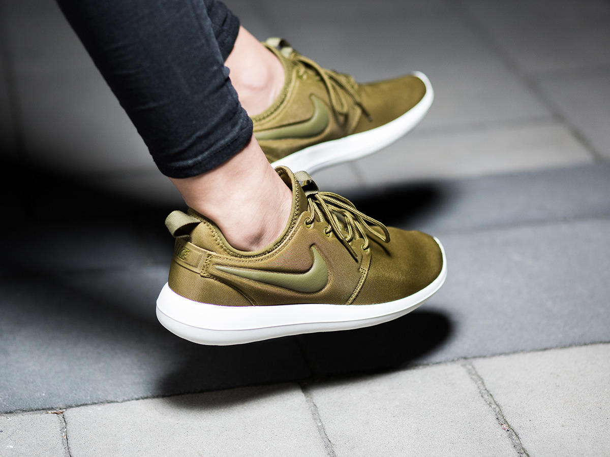 new product 57836 fcf07 Women Nike Roshe Cortez Shoe Sale Clearance Free Nike Cortez ...