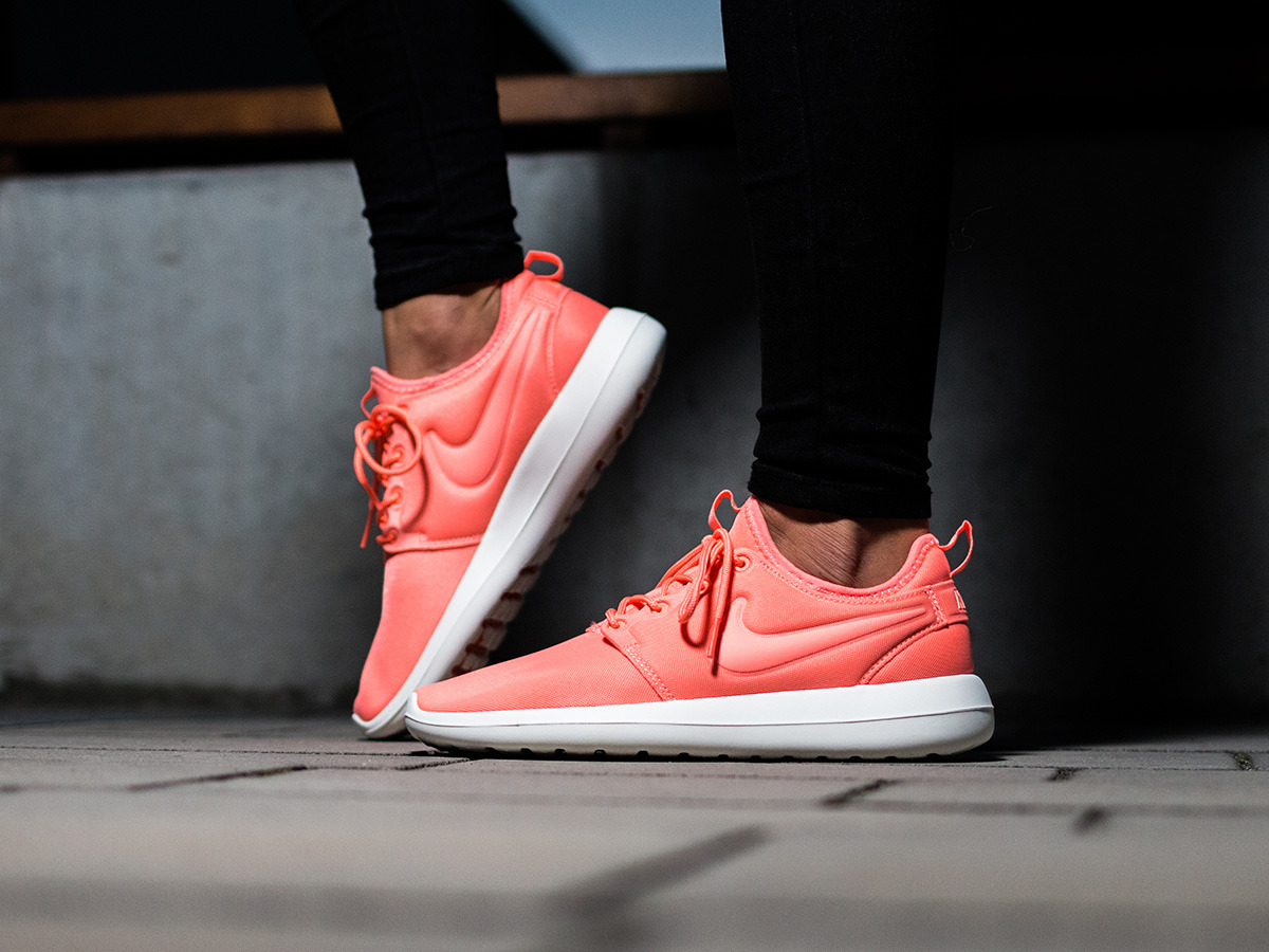 online retailer 3bd8b b3d37 ... germany cheap sale nike roshe two running shoes for sale 2018 b2ad5  b4f03