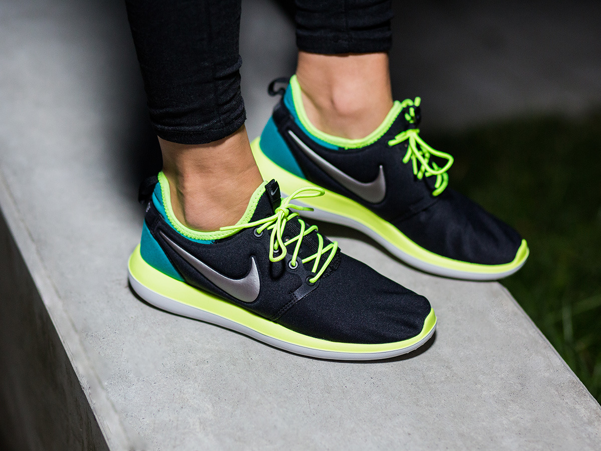 54f456c2842f1 ... womens shoes sneakers nike roshe two (gs) 844653 003 .