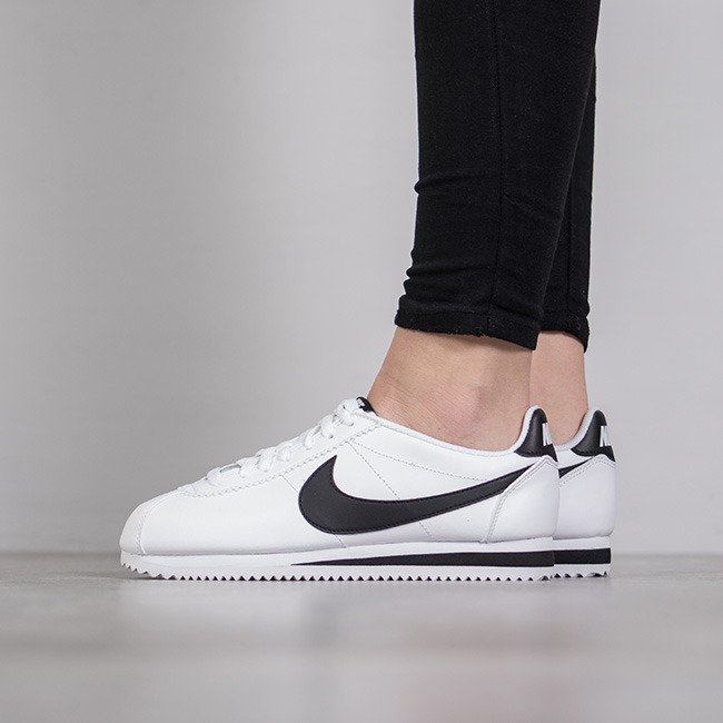 https://sneakerstudio.com/eng_pl_Womens-Shoes-sneakers-Nike-Wmns-Classic-Cortez-Leather-807471-101-12037_1.jpg