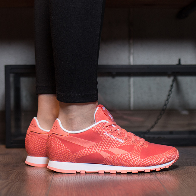 new concept 9c602 52220 Women's Shoes sneakers Reebok Classic Runner Summer Brights V68720 . ...