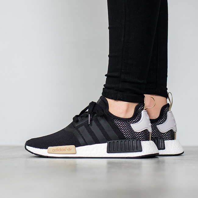 https://sneakerstudio.com/eng_pl_Womens-Shoes-sneakers-adidas-Originals-NMD_R1-BA7751-12113_1.jpg