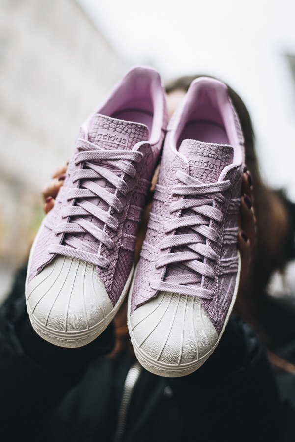 Women's Converse Superstars