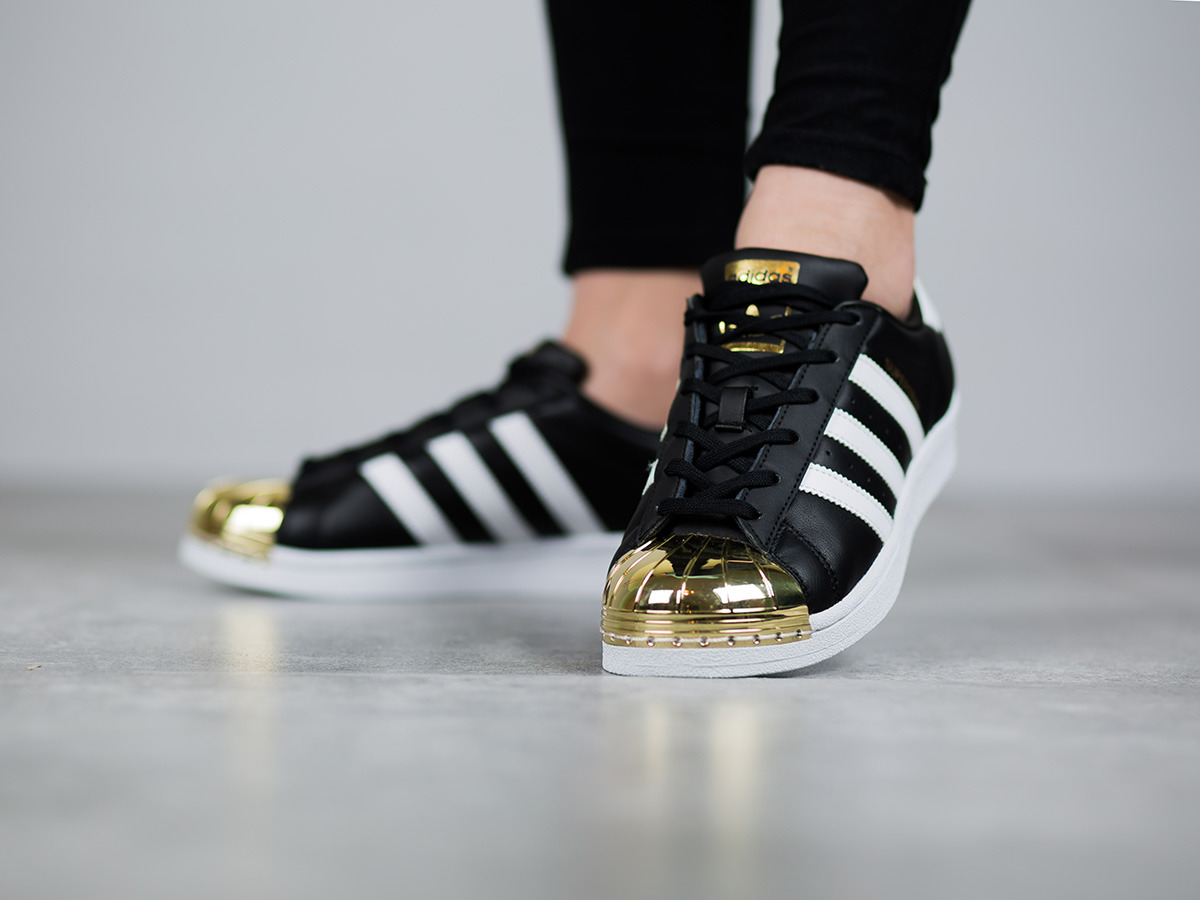 women 39 s shoes sneakers adidas originals superstar metal toe bb5115 best shoes sneakerstudio. Black Bedroom Furniture Sets. Home Design Ideas