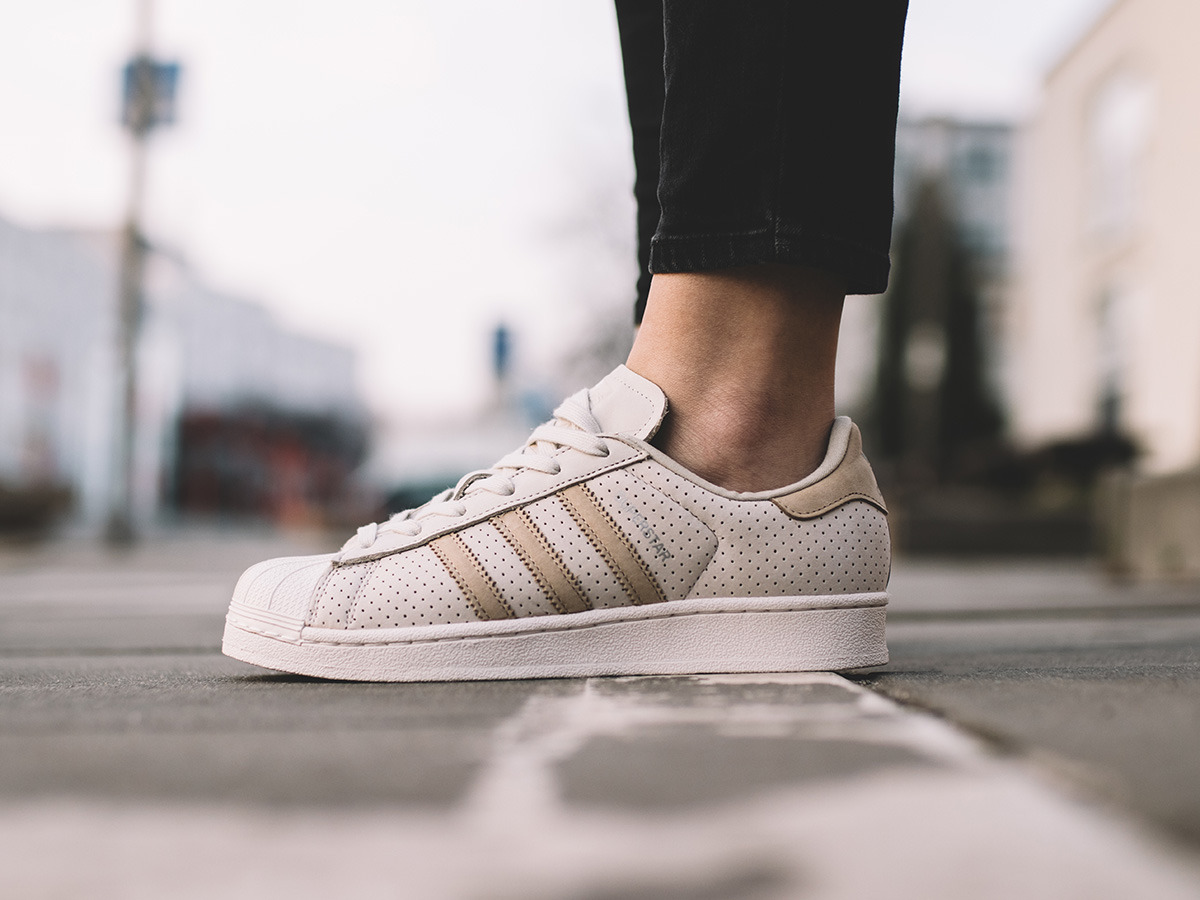 Women's Shoes sneakers adidas Superstar Fashion J BB2525 ...