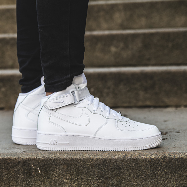 nike air force 1 mid offerta