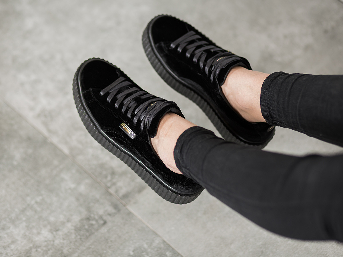 women 39 s shoes sneakers puma creeper velvet x rihanna black 364466 01 best shoes sneakerstudio. Black Bedroom Furniture Sets. Home Design Ideas